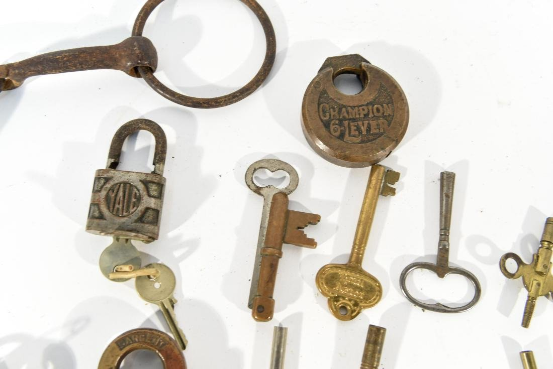 GROUPING OF LOCKS AND KEYS - 7