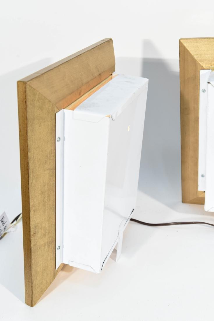 (2) VINTAGE 3D LENTICULAR PHOTO LIGHT BOXES - 7