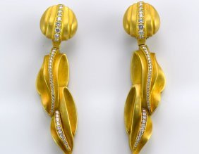Kieselstein Cord 18K Yellow Gold and Diamond Ear Clip