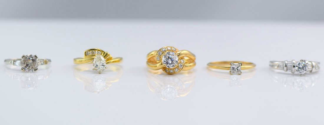 5 Gold Diamond and Simulated Diamond Rings.