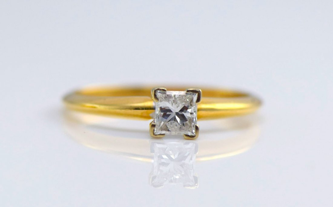 5 Gold Diamond and Simulated Diamond Rings. - 3
