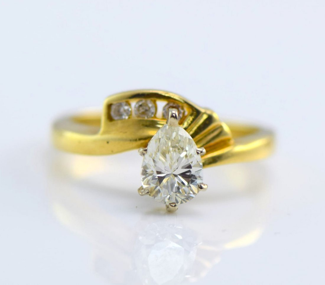 5 Gold Diamond and Simulated Diamond Rings. - 5
