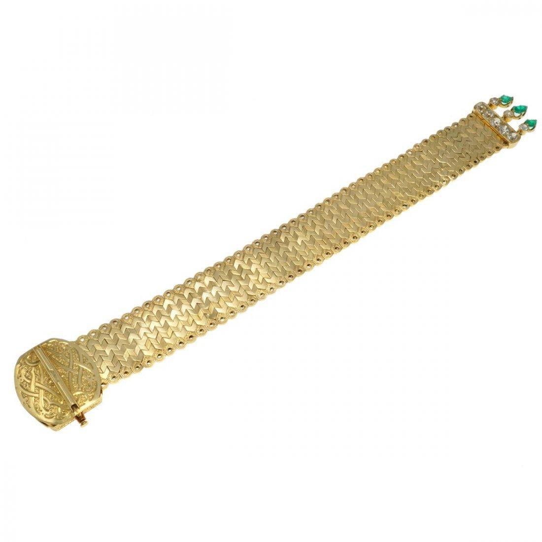 FRENCH EMERALD DIAMOND 18 KARAT GOLD BRACELET