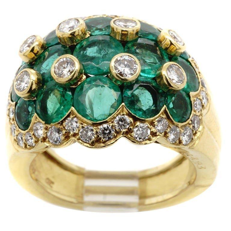 Van Cleef & Arpels Emerald Diamond 18K yellow gold ring