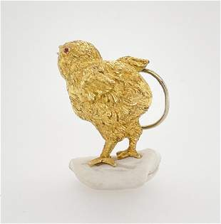 VCA Gold Chick Pin