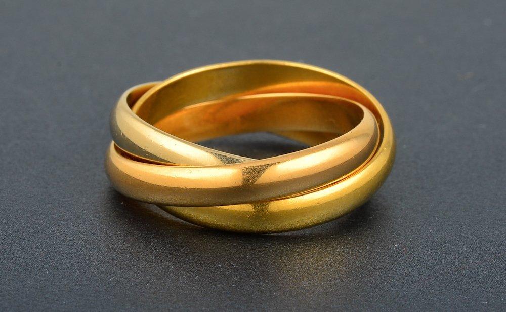 f12f927111219 8: Cartier Trinity ring