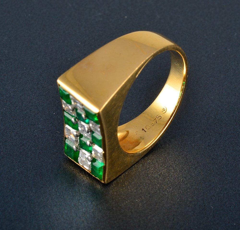 14: Oscar Heyman diamond and emerald ring - 2