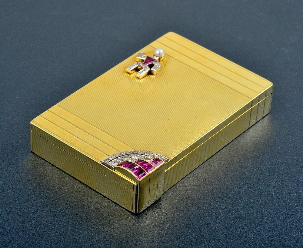 39: Verdura diamond and ruby gold compact