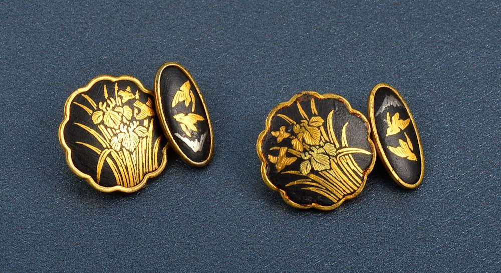 71: A Pair of Shakudo 18k and Bronze cuff links