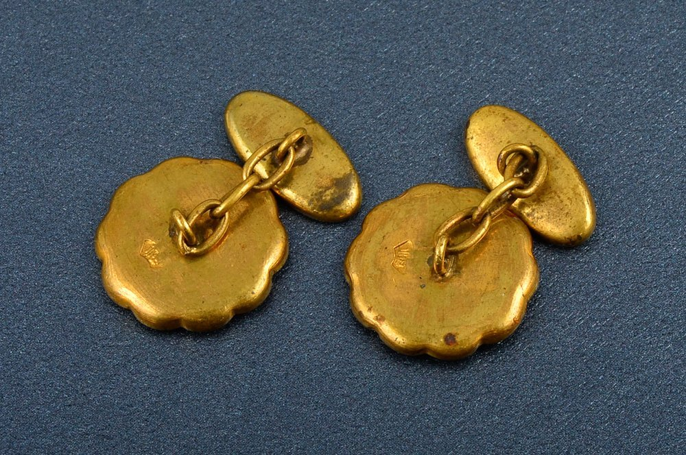 71: A Pair of Shakudo 18k and Bronze cuff links - 2