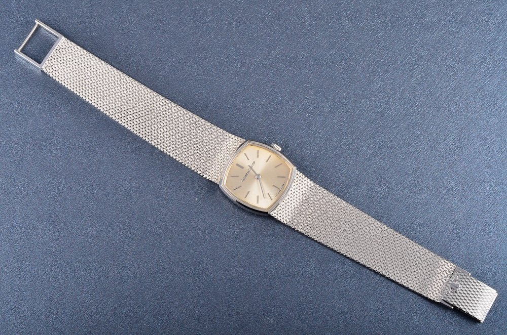 137: Jaeger-LeCoultre white gold lady's wrist watch