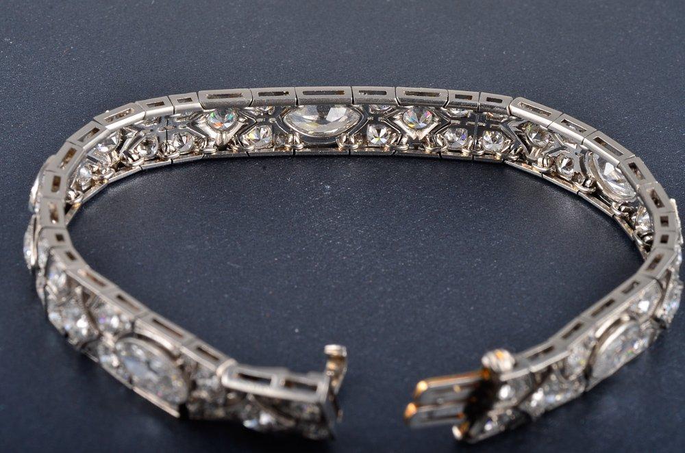169: Cartier Art Deco Platinum diamond bracelet - 4