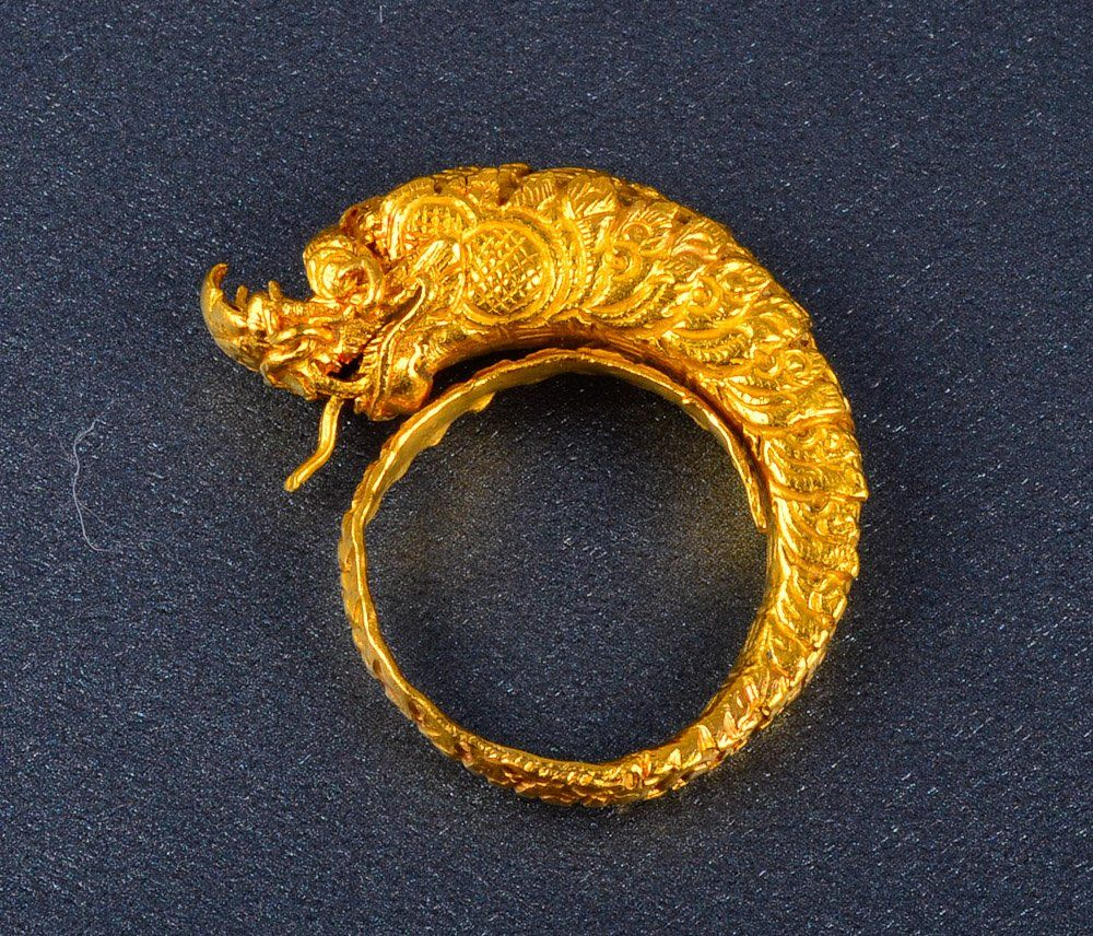 Antique gold dragon ring