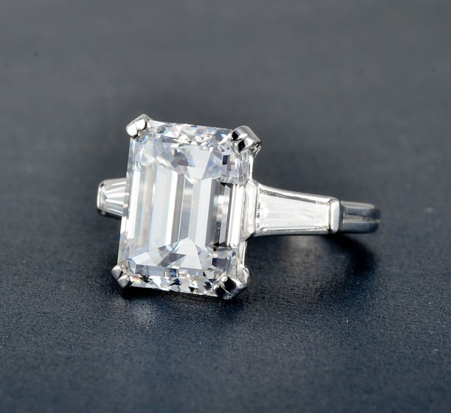 200: Tiffany & Co. Platinum and Diamond ring