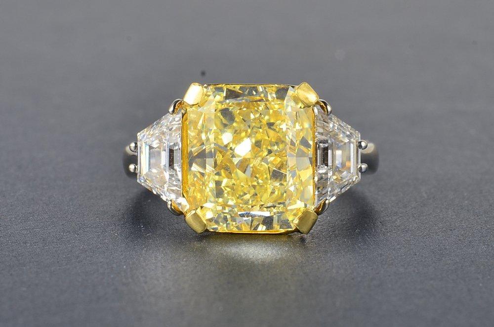 360: 7.05 ct yellow diamond ring, with GIA