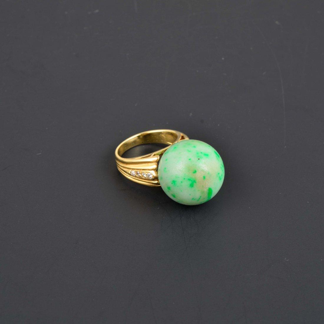 14K YG Jade ball Diamond Ring