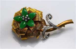 18k Gold Jade and Diamond Flower Brooch From 1940s