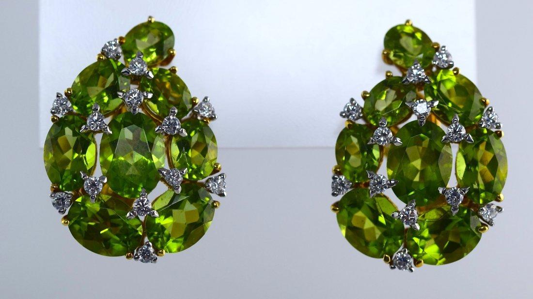 Verdura 18K Yellow Gold Peridot And Diamond  Ear Clip