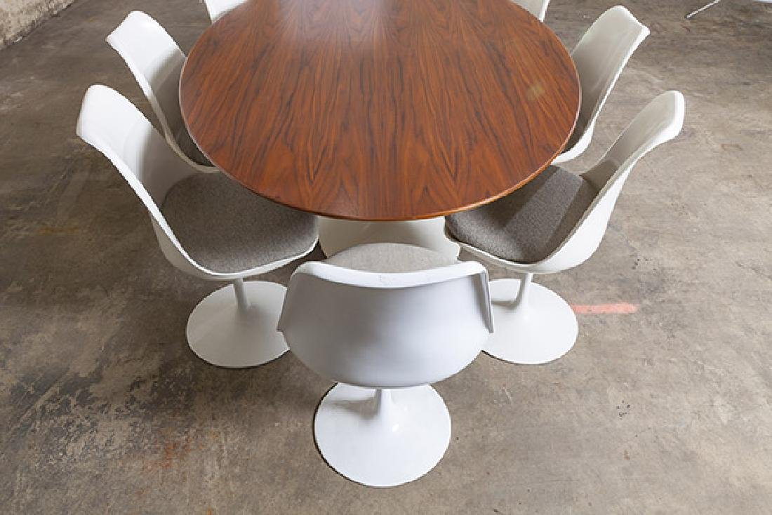 Eero Saarinen Dining Set - 4