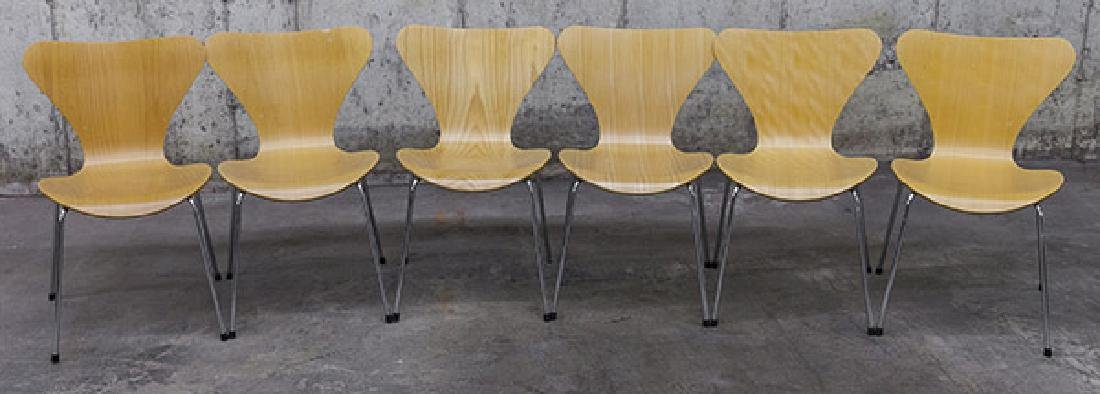 Arne Jacobsen Sevener  Chairs
