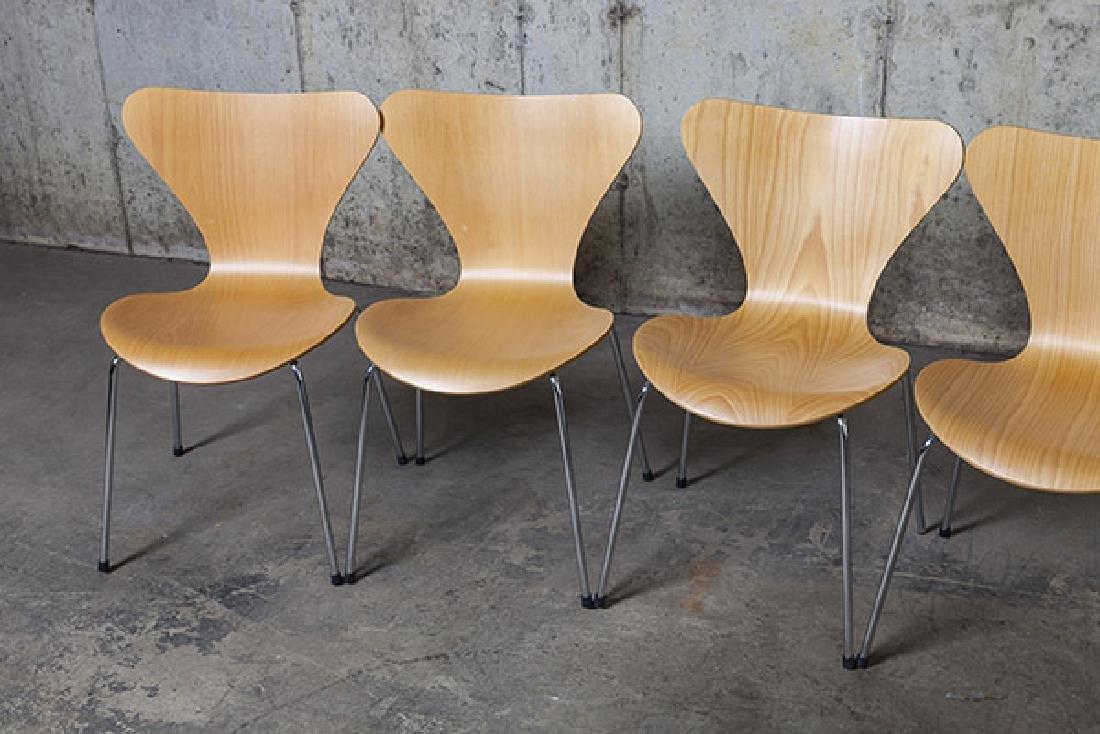 Arne Jacobsen Sevener  Chairs - 3