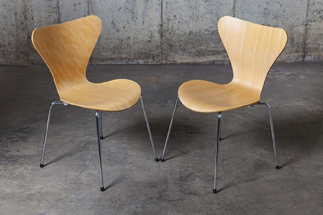 Arne Jacobsen Sevener  Chairs - 5