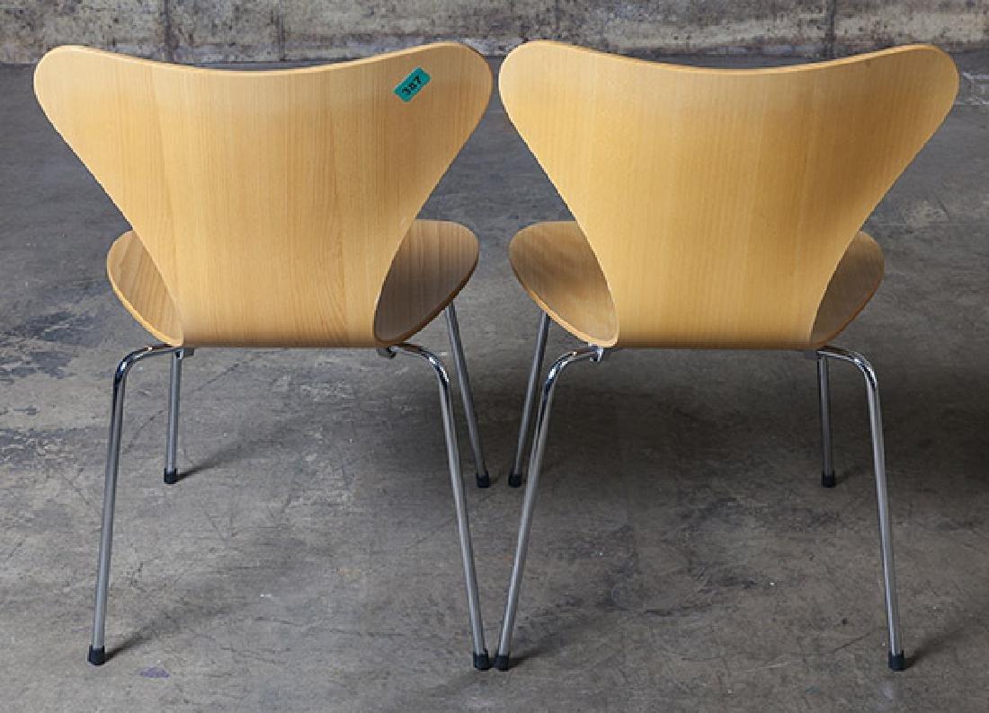 Arne Jacobsen Sevener  Chairs - 7