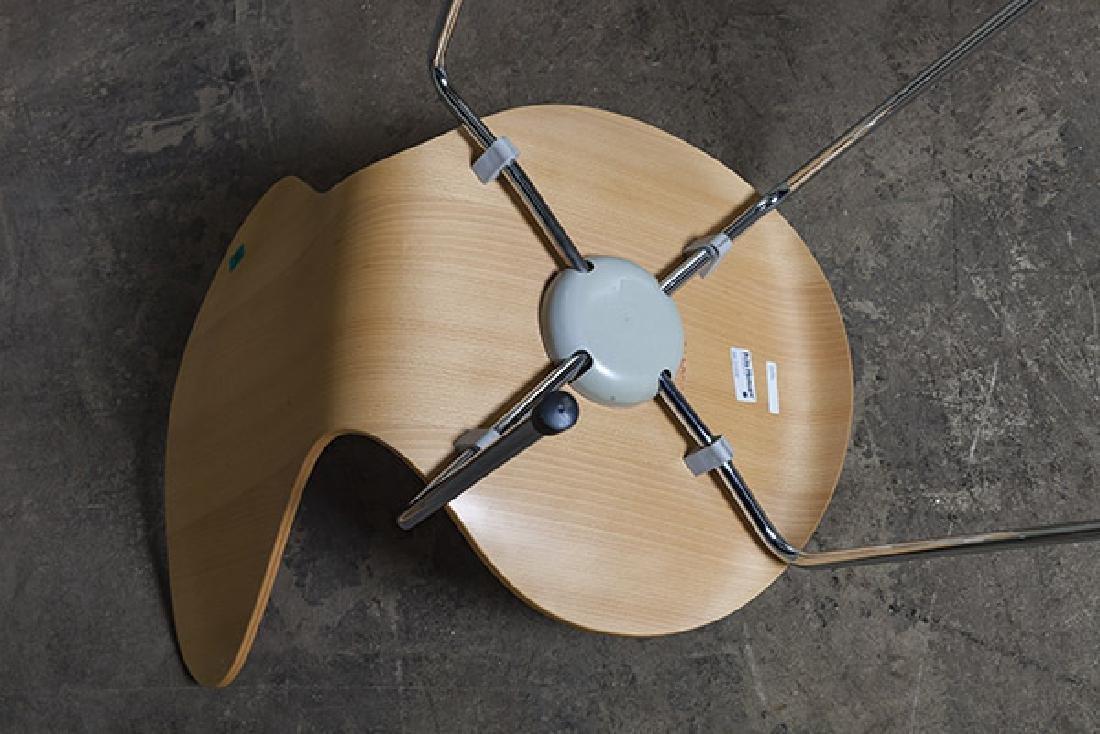 Arne Jacobsen Sevener  Chairs - 8