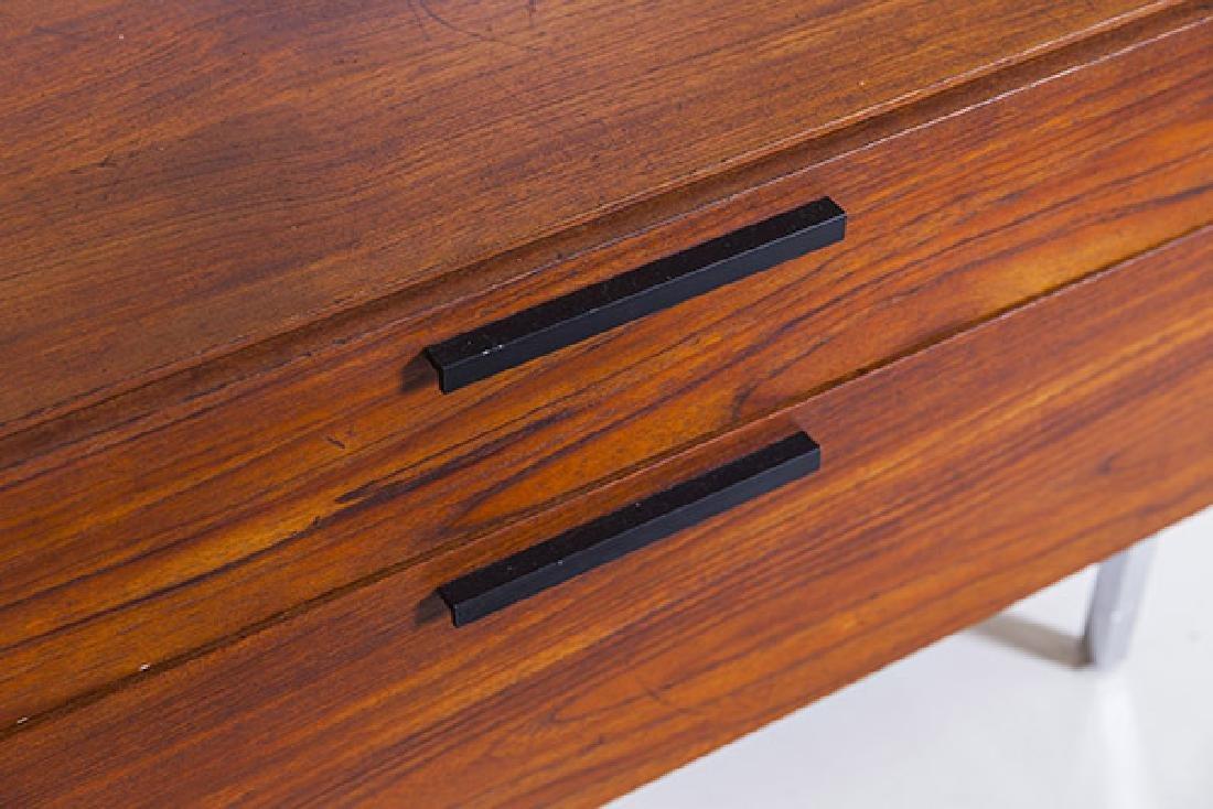 IB Kofod-Larsen Cabinet - 3