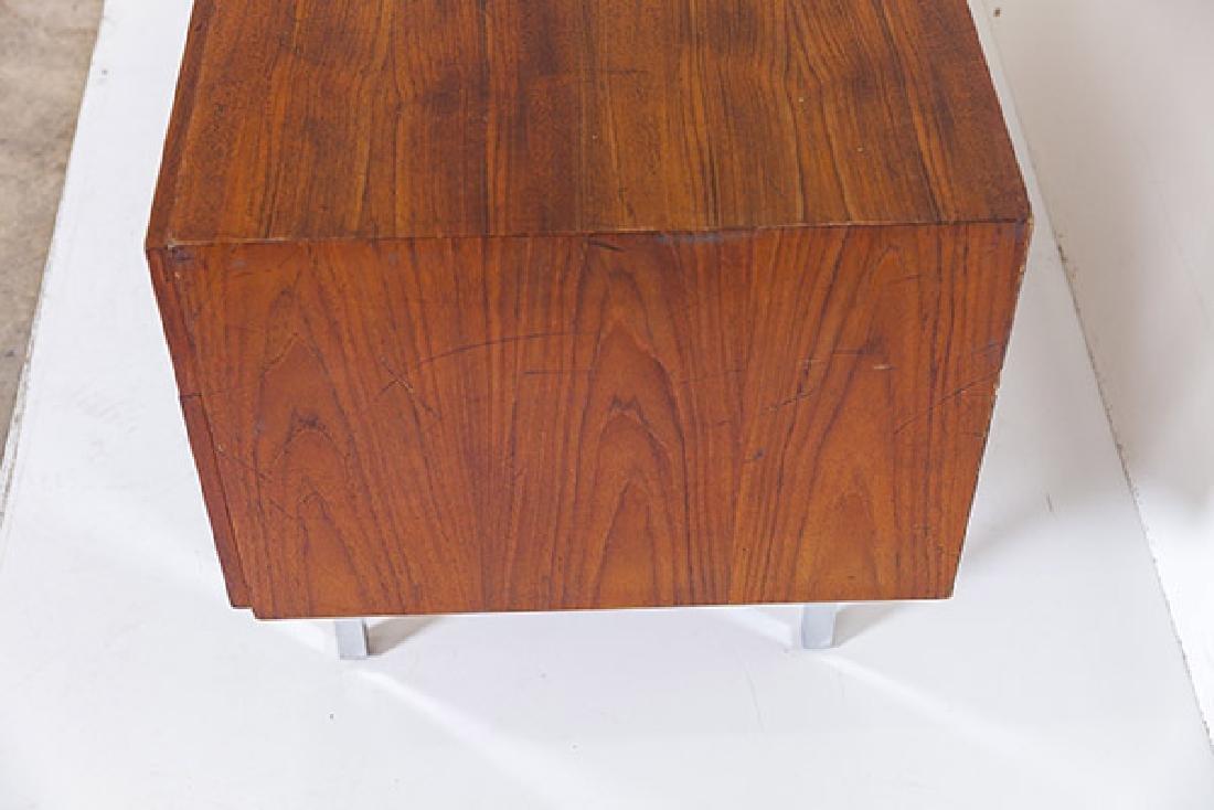 IB Kofod-Larsen Cabinet - 6