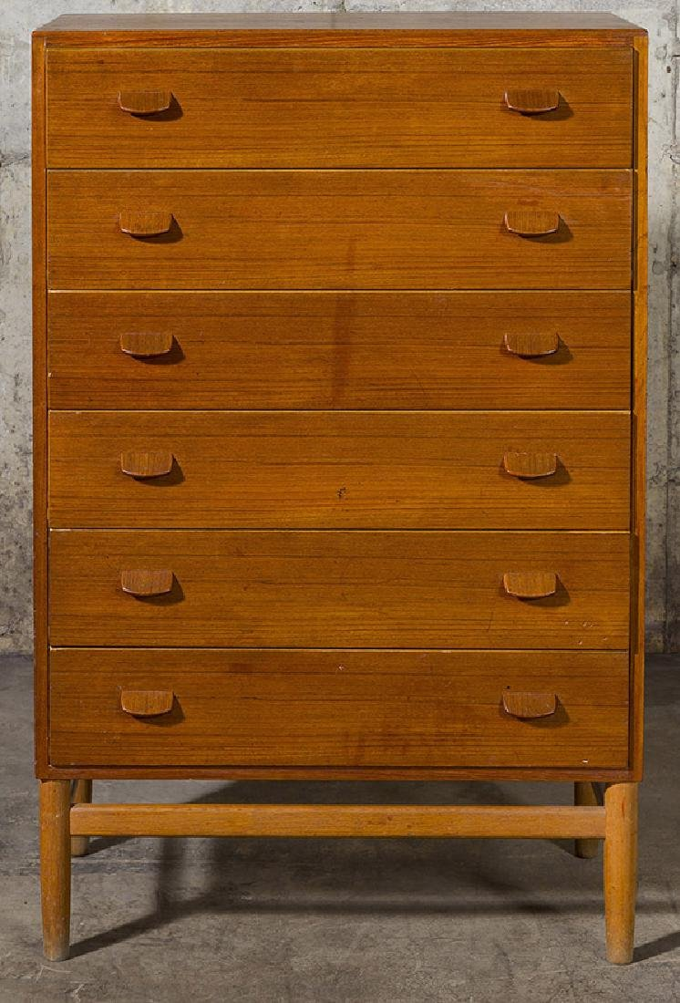 Poul Volther Chest