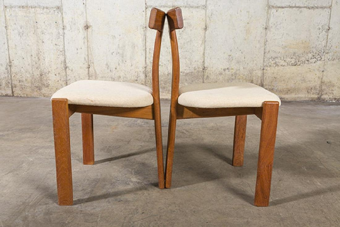 """Danish """"T"""" back Dining Chairs - 5"""