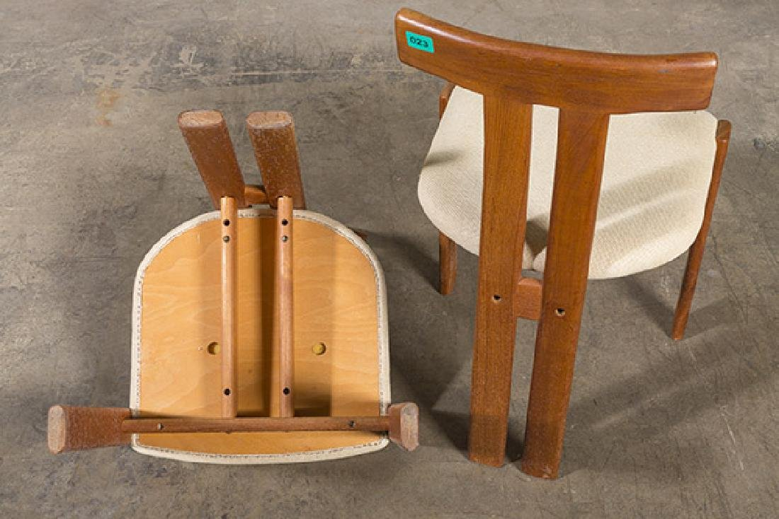 """Danish """"T"""" back Dining Chairs - 7"""