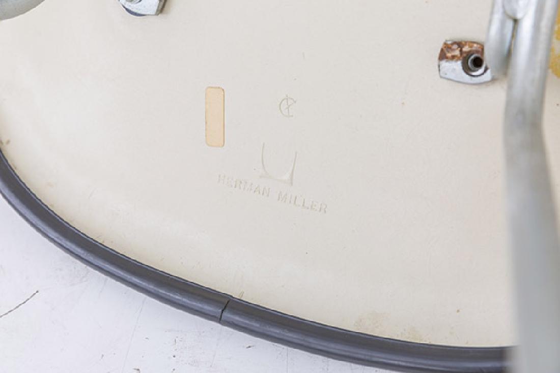 Charles & Ray Eames Wall Saver Side Shell - 8