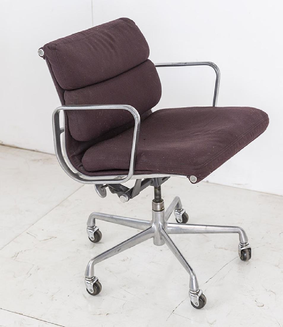 Charles & Ray Eames Soft Pad Chair - 3