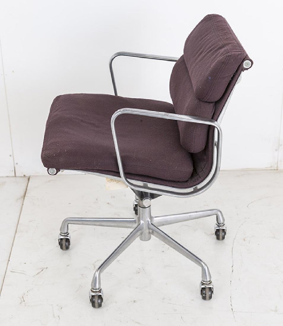 Charles & Ray Eames Soft Pad Chair - 5
