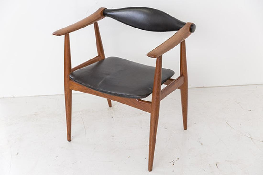 Hans J Wegner Chairs Model CH 34 - 2