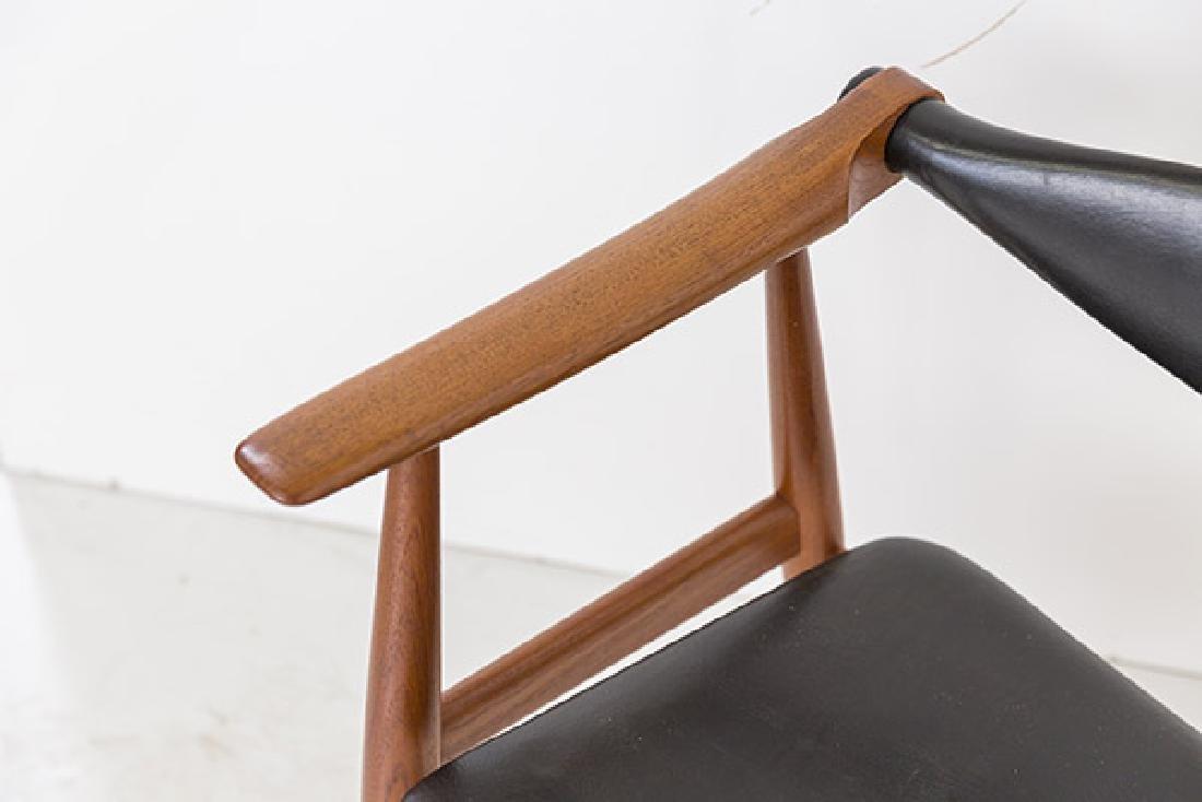 Hans J Wegner Chairs Model CH 34 - 4
