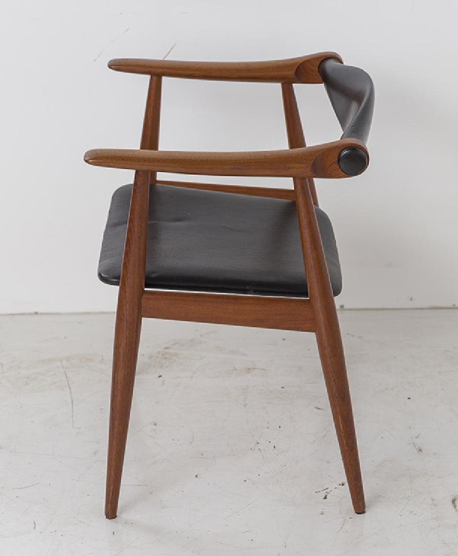 Hans J Wegner Chairs Model CH 34 - 5