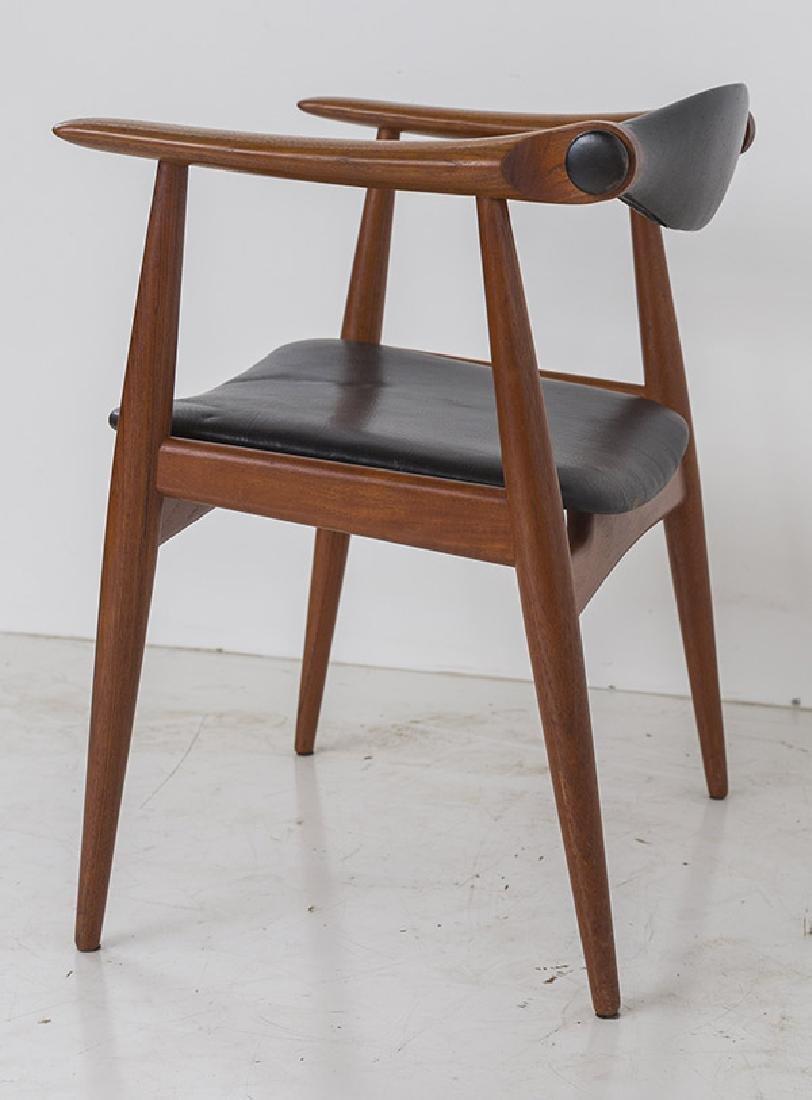 Hans J Wegner Chairs Model CH 34 - 7