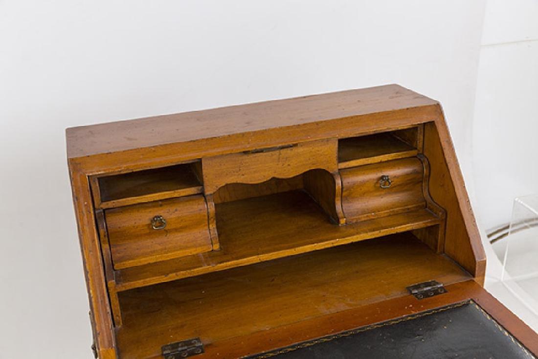 Miniature Chippendale Desk 20th Century - 4