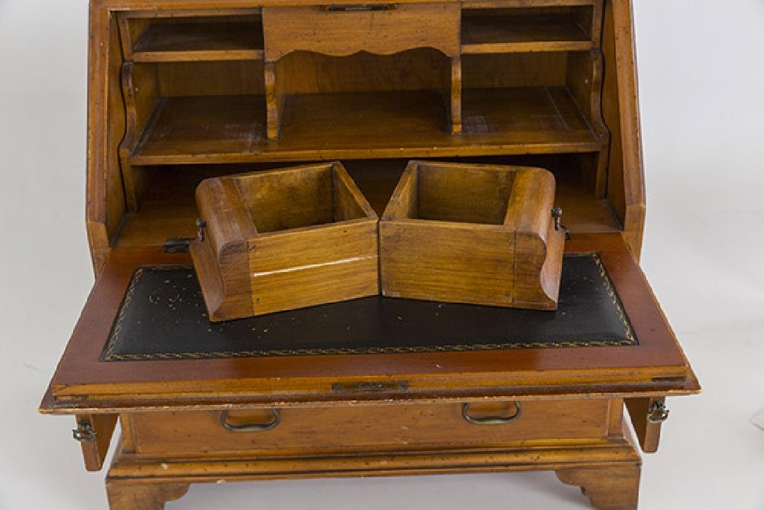 Miniature Chippendale Desk 20th Century - 5