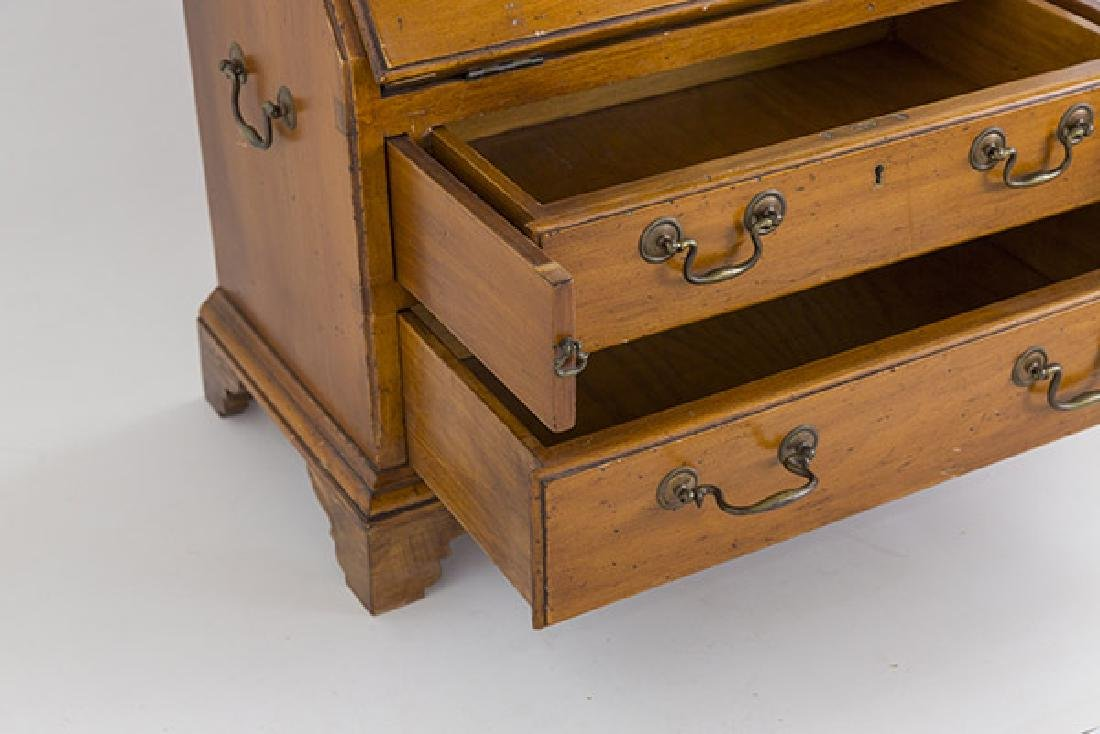 Miniature Chippendale Desk 20th Century - 7