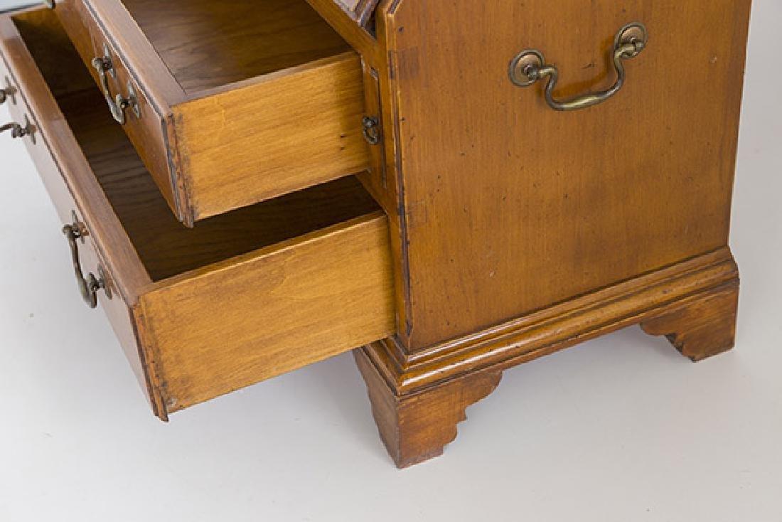 Miniature Chippendale Desk 20th Century - 8