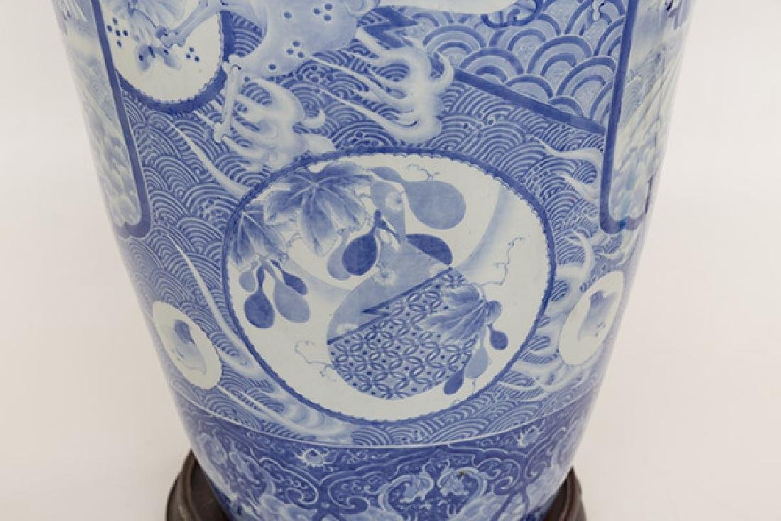Fine 19th Century Imari Palace Vase - 6