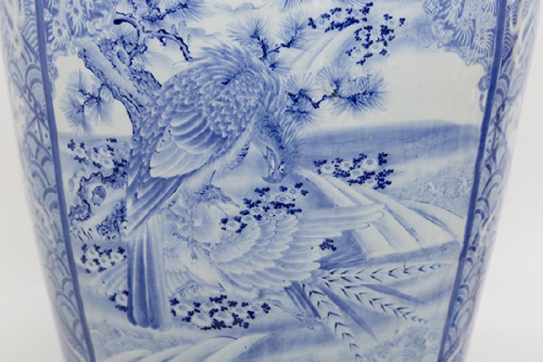 Fine 19th Century Imari Palace Vase - 9