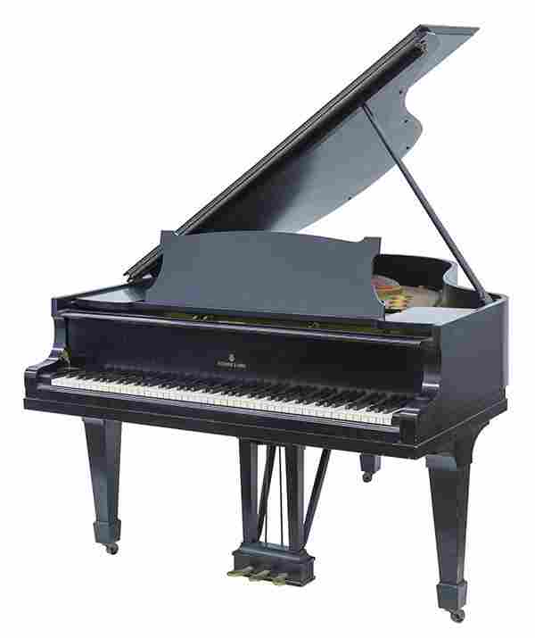 Steinway & Sons Baby Grand Piano, Model M