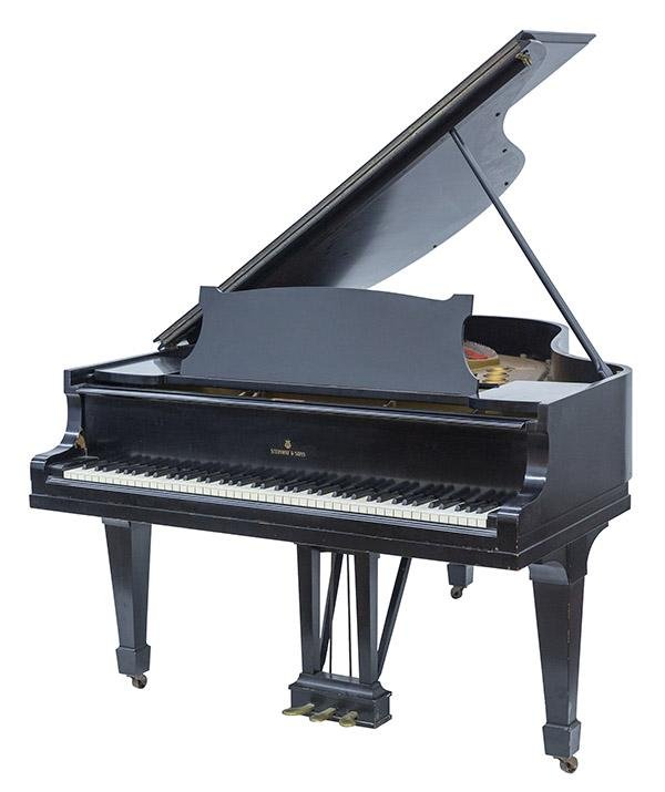 Steinway & Sons Baby Grand Piano, Model M