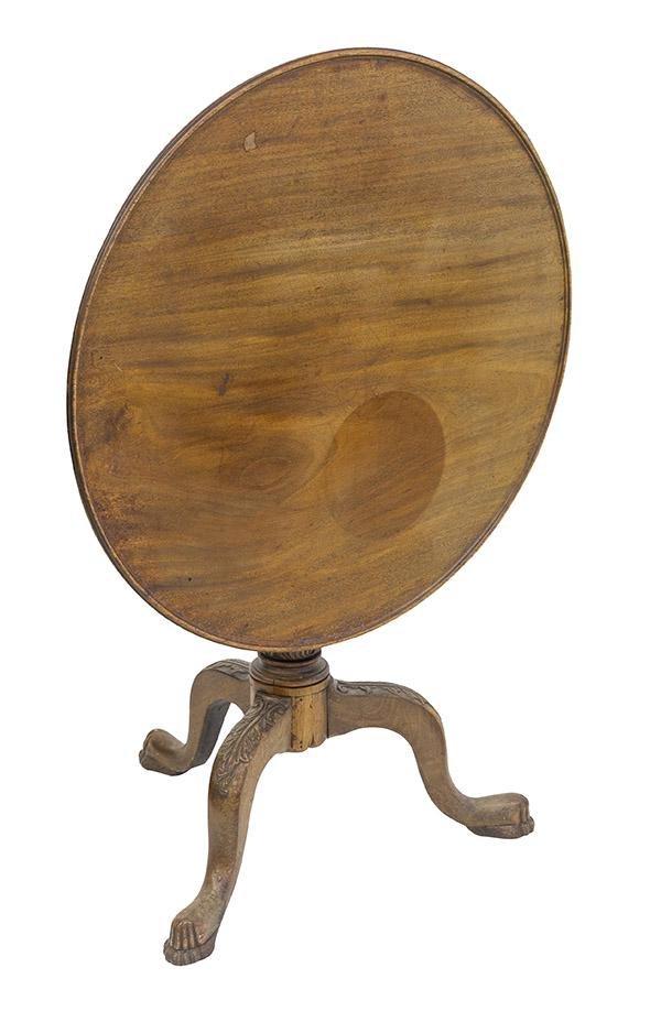 19th Century Queen Anne Tilt Table