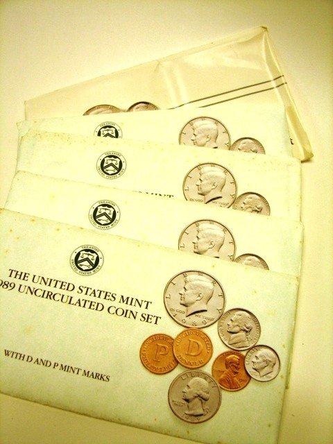 16: Lot, 10 UC US Mint Coin Sets